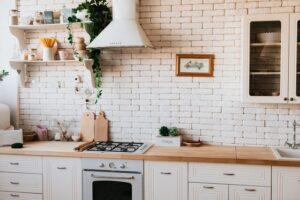 Jak obliczyć metr bieżący mebli kuchennych?