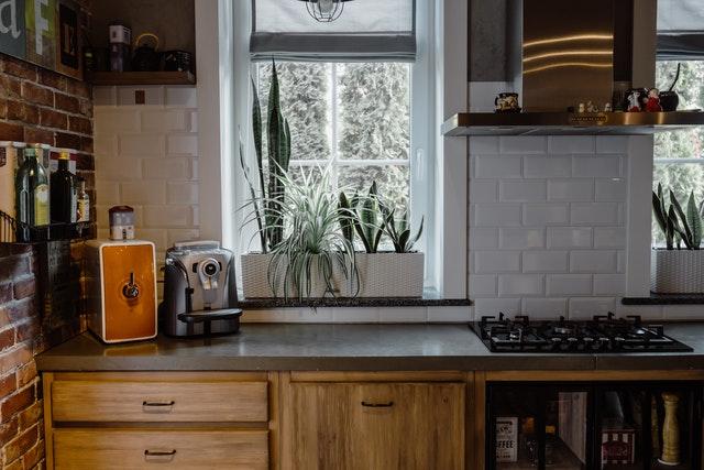 Jak obliczyć metr bieżący mebli kuchennych w Warszawie?